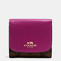 COACH SMALL WALLET IN SIGNATURE - IMITATION GOLD/BROWN/FUCHSIA - F53837