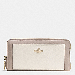 COACH ACCORDION ZIP WALLET IN COLORBLOCK CROSSGRAIN LEATHER - IMITATION GOLD/CHALK/GREY BIRCH - F53838