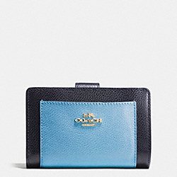 MEDIUM CORNER ZIP WALLET IN COLORBLOCK CROSSGRAIN LEATHER - IMITATION GOLD/MIDNIGHT/GREY BIRCH - COACH F53839
