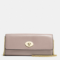 COACH TURNLOCK SLIM ENVELOPE IN SMOOTH LEATHER - IMITATION GOLD/GREY BIRCH - F53890