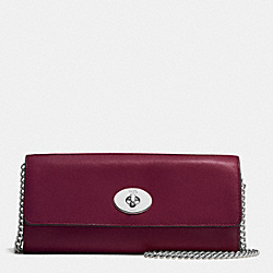 COACH TURNLOCK SLIM ENVELOPE WALLET WITH CHAIN IN SMOOTH LEATHER - SILVER/BURGUNDY - F53890