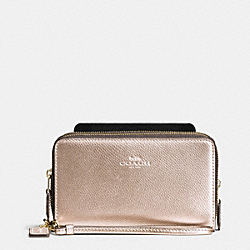 COACH DOUBLE ZIP PHONE WALLET IN CROSSGRAIN LEATHER - IMITATION GOLD/PLATINUM - F53896