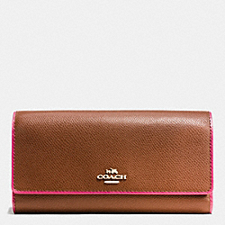 COACH TRIFOLD WALLET IN EDGEPAINT CROSSGRAIN LEATHER - IMITATION GOLD/SADDLE/DAHLIA - F53935
