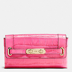 COACH COACH SWAGGER WALLET IN CROC EMBOSSED LEATHER - LIGHT GOLD/DAHLIA - F53963