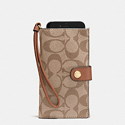 COACH PHONE CLUTCH IN SIGNATURE - IMITATION GOLD/KHAKI/SADDLE - F53975