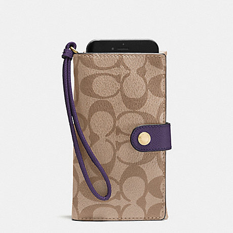COACH PHONE CLUTCH IN SIGNATURE - IMITATION GOLD/KHAKI AUBERGINE - f53975