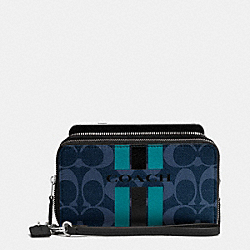 COACH COACH VARSITY STRIPE DOUBLE ZIP PHONE WALLET IN SIGNATURE - SILVER/DENIM/BLACK - F54005