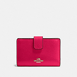 COACH MEDIUM CORNER ZIP WALLET IN CROSSGRAIN LEATHER - IMITATION GOLD/BRIGHT PINK - F54010