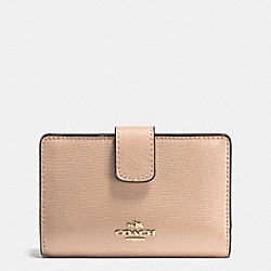 COACH MEDIUM CORNER ZIP WALLET IN CROSSGRAIN LEATHER - IMITATION GOLD/BEECHWOOD - F54010