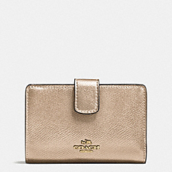 COACH MEDIUM CORNER ZIP WALLET IN CROSSGRAIN LEATHER - IMITATION GOLD/PLATINUM - F54010