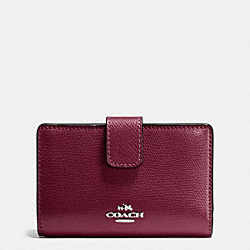 COACH MEDIUM CORNER ZIP WALLET IN CROSSGRAIN LEATHER - SILVER/BURGUNDY - F54010