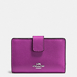 COACH MEDIUM CORNER ZIP WALLET IN CROSSGRAIN LEATHER - SILVER/HYACINTH - F54010