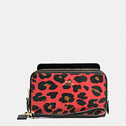COACH DOUBLE ZIP PHONE WALLET IN LEOPARD PRINT COATED CANVAS - IMITATION GOLD/WATERMELON - F54055