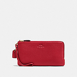 COACH DOUBLE ZIP WALLET IN PEBBLE LEATHER - IMITATION GOLD/TRUE RED - F54056
