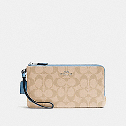 COACH DOUBLE ZIP WALLET IN SIGNATURE - SILVER/LIGHT KHAKI/CORNFLOWER - F54057