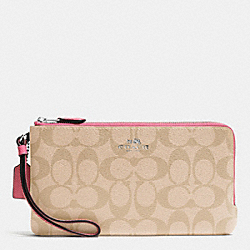 COACH DOUBLE ZIP WALLET IN SIGNATURE - SILVER/LIGHT KHAKI/STRAWBERRY - F54057
