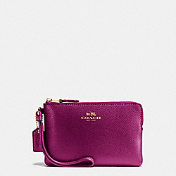 CORNER ZIP WRISTLET IN CROSSGRAIN LEATHER - f54626 - IMITATION GOLD/FUCHSIA