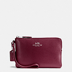 COACH CORNER ZIP WRISTLET IN CROSSGRAIN LEATHER - SILVER/BURGUNDY - F54626