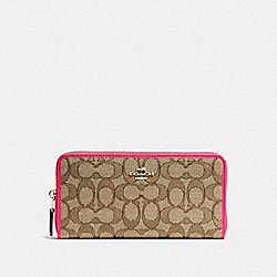 COACH ACCORDION ZIP WALLET IN OUTLINE SIGNATURE - IMITATION GOLD/KHAKI STRAWBERRY - F54633