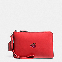 COACH PAC MAN CORNER ZIP WRISTLET IN CALF LEATHER - BLACK ANTIQUE/WATERMELON - F54841