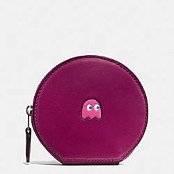 COACH PAC MAN ROUND COIN CASE IN CALF LEATHER - BLACK ANTIQUE NICKEL/FUCHSIA - F54871
