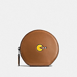 COACH PAC MAN ROUND COIN CASE IN CALF LEATHER - ANTIQUE NICKEL/SADDLE - F54871