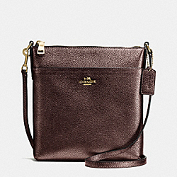 COURIER CROSSBODY IN PEBBLE LEATHER - f55204 - LIGHT GOLD/BRONZE