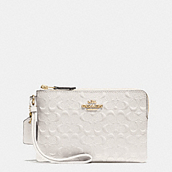 CORNER ZIP WRISTLET IN SIGNATURE DEBOSSED PATENT LEATHER - f55206 - IMITATION GOLD/CHALK