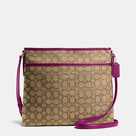 COACH FILE BAG IN OUTLINE SIGNATURE - IMITATION GOLD/KHAKI/FUCHSIA - f55363
