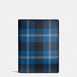 COACH PASSPORT CASE IN PRINTED COATED CANVAS - BLACK/DENIM PLAID - F55471