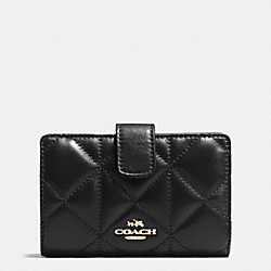 COACH MEDIUM ZIP AROUND WALLET IN QUILTED LEATHER - IMITATION GOLD/BLACK - F55673
