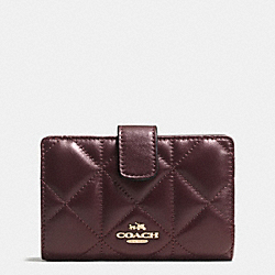COACH MEDIUM ZIP AROUND WALLET IN QUILTED LEATHER - IMITATION GOLD/OXBLOOD 1 - F55673