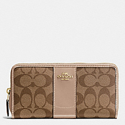 COACH BOXED ACCORDION ZIP WALLET IN SIGNATURE WITH PATENT LEATHER - IMITATION GOLD/KHAKI PLATINUM - F55733