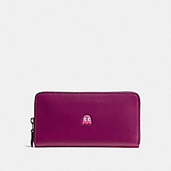 COACH PAC MAN ACCORDION ZIP WALLET IN CALF LEATHER - BLACK ANTIQUE NICKEL/FUCHSIA - F55736