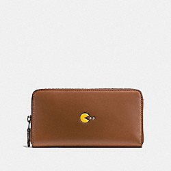 COACH PAC MAN ACCORDION ZIP WALLET IN CALF LEATHER - ANTIQUE NICKEL/SADDLE - F55736