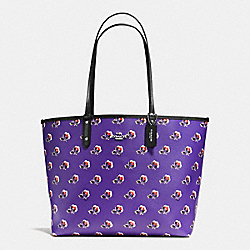 REVERSIBLE CITY TOTE IN BRAMBLE ROSE FLORAL PRINT CANVAS - f55866 - SILVER/PURPLE MULTI BLACK