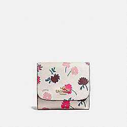 SMALL WALLET IN DAISY FIELD PRINT COATED CANVAS - f55882 - LIGHT GOLD/DAISY FIELD CHALK MULTI