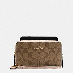 COACH BOXED DOUBLE ZIP PHONE WALLET IN SIGNATURE WITH PATENT LEATHER TRIM - IMITATION GOLD/KHAKI PLATINUM - F55978