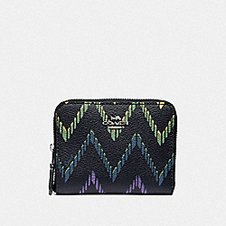 SMALL ZIP AROUND WALLET WITH GEO CHEVRON PRINT - MIDNIGHT MULTI/SILVER - COACH F56270