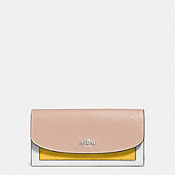 SLIM ENVELOPE WALLET IN GEOMETRIC COLORBLOCK CROSSGRAIN LEATHER - f56492 - SILVER/BANANA