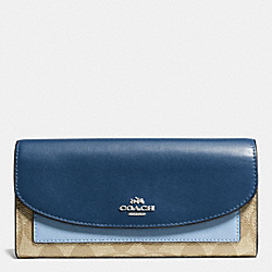 COACH SLIM ENVELOPE WALLET IN COLORBLOCK SIGNATURE - SILVER/KHAKI/BLUE MULTI - F56494