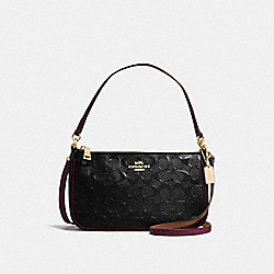 TOP HANDLE POUCH IN SIGNATURE DEBOSSED PATENT LEATHER - f56518 - IMITATION GOLD/BLACK OXBLOOD