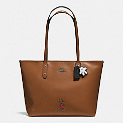 COACH MICKEY CITY TOTE IN CALF LEATHER - DARK GUNMETAL/SADDLE - F56645