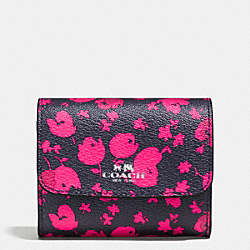 COACH ACCORDION CARD CASE IN PRAIRIE CALICO FLORAL PRINT CANVAS - SILVER/MIDNIGHT PINK RUBY - F56725