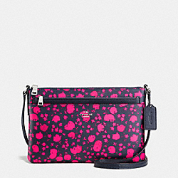 EAST/WEST CROSSBODY WITH POP UP POUCH IN PRAIRIE CALICO PRINT COATED CANVAS - f56838 - SILVER/MIDNIGHT PINK RUBY