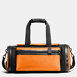 TERRAIN GYM BAG IN PERFORATED MIXED MATERIALS - f56875 - ORANGE/GRAPHITE