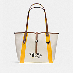 COACH MARKET TOTE WITH SOUVENIR EMBROIDERY - Chalk/Yellow/Silver - F57076