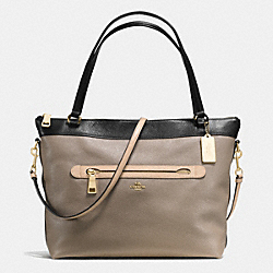 COACH TYLER TOTE IN COLORBLOCK LEATHER - IMITATION GOLD/FOG BLACK MULTI - F57210