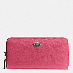 COACH ACCORDION ZIP WALLET IN PEBBLE LEATHER - SILVER/STRAWBERRY - F57215