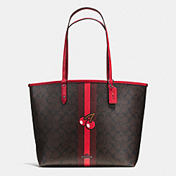 PAC MAN CHERRY REVERSIBLE TOTE IN SIGNATURE - f57278 - IMITATION GOLD/BROWN TRUE RED